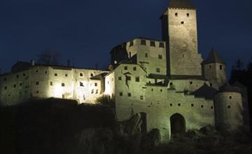Nightly visit at Taufers Castle