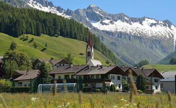 Encounter of the Zillertal Valley and the Ahrntal/Valle Aurina